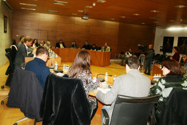 El Pleno aboga por exigir al Ministerio del Interior la equiparación salarial entre los diferentes Cuerpos Policiales de España