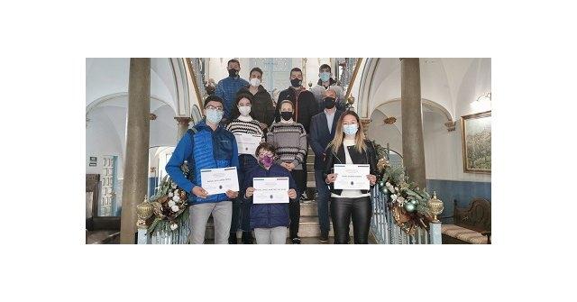 El Ayuntamiento entrega Becas a varios deportistas cehegineros - 1, Foto 1