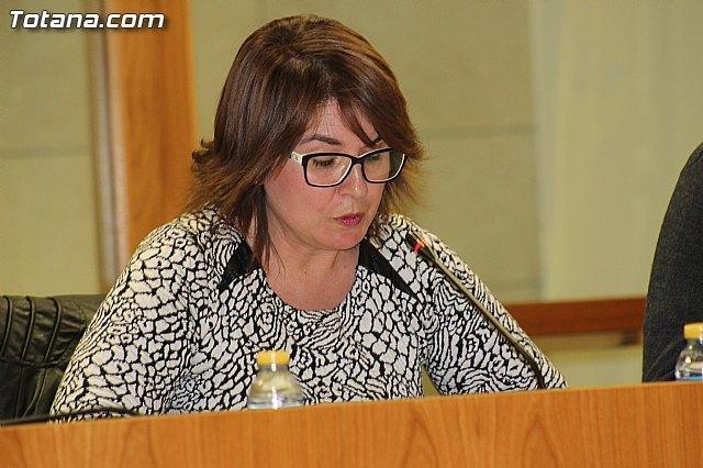 Isabel María Sánchez Ruiz durante el Pleno de enero de 2016 / Totana.com, Foto 1