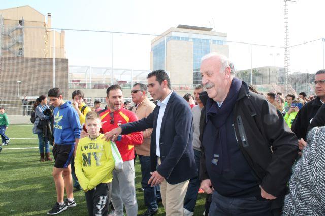 Vicente del Bosque inaugura las nuevas pistas de la UPCT en la Casa de la Juventud - 1, Foto 1