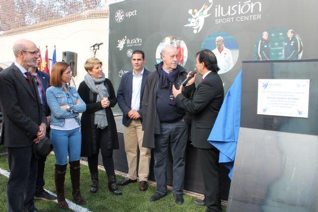 Vicente del Bosque inaugura las nuevas pistas de la UPCT en la Casa de la Juventud - 3, Foto 3