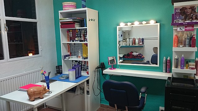 The Hairdressing Service of the Municipal Old People's Center of the Old Balsa is extended for two years