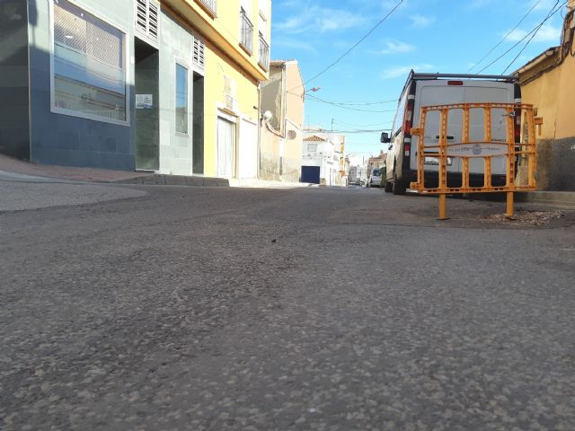 They approve to start the contract to renew the drinking water and sewerage networks and restitution of sidewalks in Teniente Pérez Redondo street, Foto 2