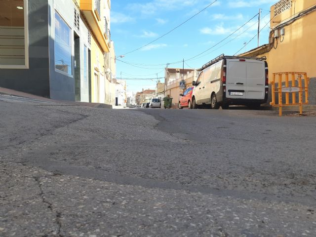 They approve to start the contract to renew the drinking water and sewerage networks and restitution of sidewalks in Teniente Pérez Redondo street, Foto 3