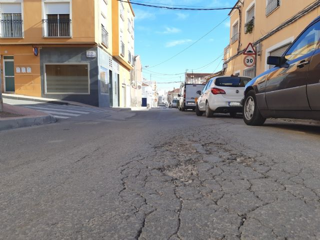 They approve to start the contract to renew the drinking water and sewerage networks and restitution of sidewalks in Teniente Pérez Redondo street, Foto 5