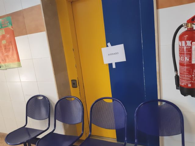 The mayor requires the Health Area Management III to urgently fix the elevator of the Totana Norte Health Center, Foto 2