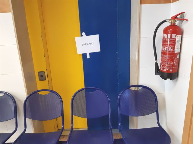 The mayor requires the Health Area Management III to urgently fix the elevator of the Totana Norte Health Center, Foto 3