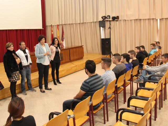 Comienza un programa mixto de empleo y formación que permitirá la contratación de 15 jóvenes desempleados en Puerto Lumbreras - 2, Foto 2