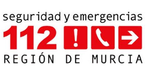 Servicios de emergencia atienden y trasladan al hospital a un ciclista accidentado en Sierra Espuña
