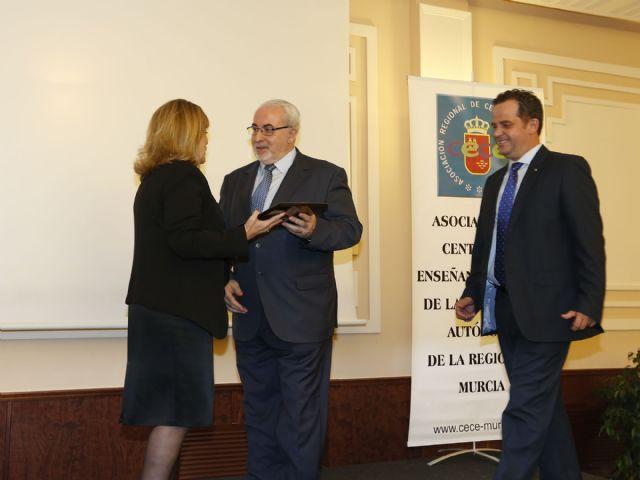 La CECE distingue al Colegio San Vicente de Paúl (El Palmar) por su 80 aniversario - 1, Foto 1