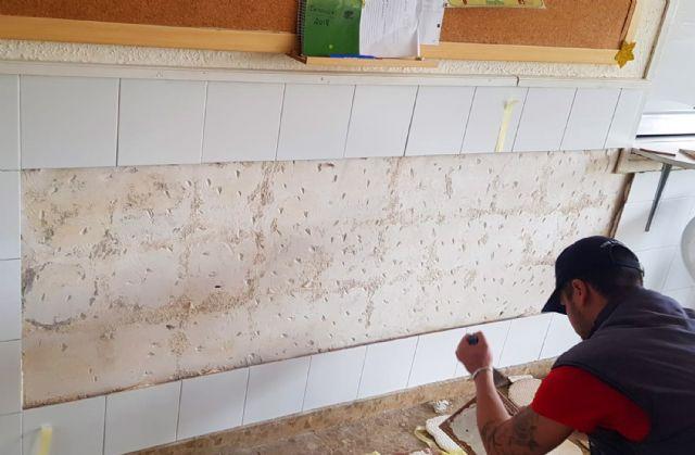 Continúan los trabajos municipales de mantenimiento de colegios en Las Torres de Cotillas - 3, Foto 3