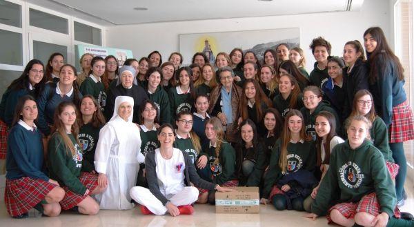 2º de Bachillerato de Monteagudo-Nelva destina su regalo de promoción a las Hermanitas de los Pobres - 1, Foto 1
