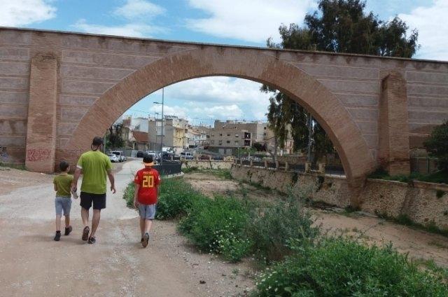 El Gobierno de España limita la salida de los niños, reduciendo las franjas; y establece horarios para paseos y actividad física - 1, Foto 1
