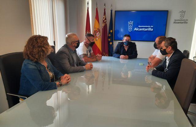 Ayuntamiento y feriantes buscan soluciones para que el sector pueda instalar sus atracciones en el municipio - 1, Foto 1