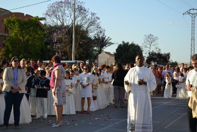 Los niños de comunión procesionan con motivo del Corpus Christi - 2, Foto 2