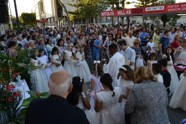 Los niños de comunión procesionan con motivo del Corpus Christi - 3, Foto 3