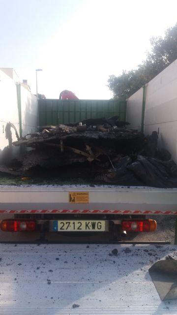 La Policía identifica a un vecino como presunto autor del incendio de contenedores - 1, Foto 1