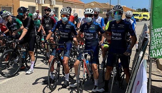 [Juan Carlos Gandía termina cuarto en la clasificación general, tercero en su categoría Elite y como ganador en la general de la montaña