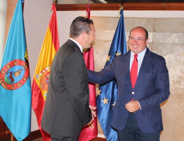 El presidente de la Comunidad se reúne con el alcalde de Mula - 1, Foto 1