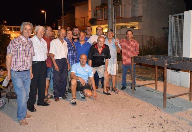 El pregón de Antonio Martínez y la tradicional sardinada inician las fiestas patronales del barrio torreño de San Pedro - 1, Foto 1