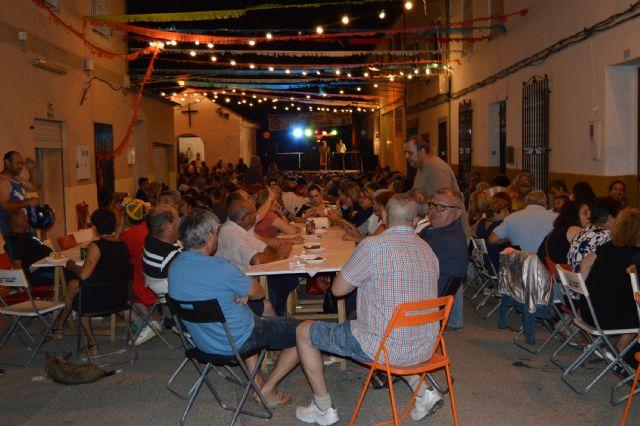 El pregón de Antonio Martínez y la tradicional sardinada inician las fiestas patronales del barrio torreño de San Pedro - 3, Foto 3
