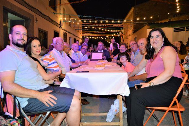 El pregón de Antonio Martínez y la tradicional sardinada inician las fiestas patronales del barrio torreño de San Pedro - 4, Foto 4