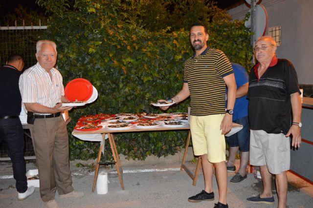 El pregón de Antonio Martínez y la tradicional sardinada inician las fiestas patronales del barrio torreño de San Pedro - 5, Foto 5