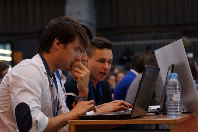 VI Informe Young Business Talents - 3, Foto 3