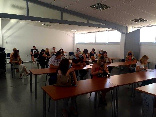 Unos 25 comerciantes de Totana participan en la charla-taller Cómo vender online siendo un comercio local - 4, Foto 4