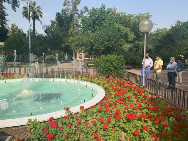El Ayuntamiento comienza una exhaustiva campaña de verano sobre la limpieza de fuentes y lagos del municipio - 1, Foto 1