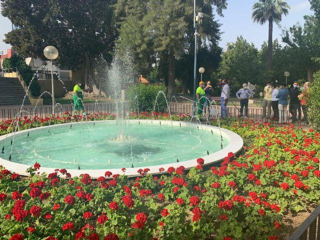El Ayuntamiento comienza una exhaustiva campaña de verano sobre la limpieza de fuentes y lagos del municipio - 2, Foto 2