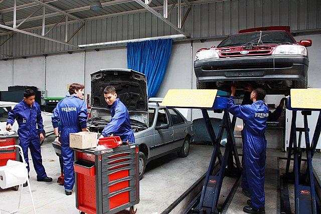 Los talleristas en FREMM recomiendan revisar el coche antes de salir de vacaciones - 1, Foto 1