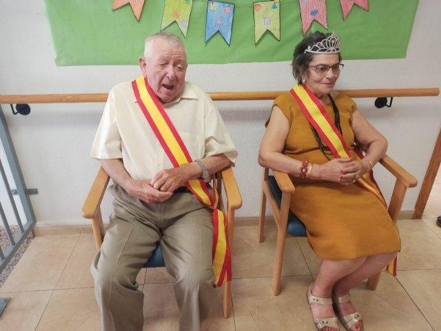 Realizan la coronación del rey y reina en los Centros de Día para Mayores Dependientes de la plaza Balsa Vieja y SEDA-Alzheimer - 5, Foto 5