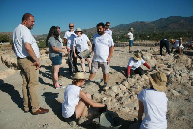 Unos veinte voluntarios participan en el V Campo de Trabajo Arqueológico en el yacimiento de Las Cabezuelas, organizado por la Asociación Kalathos - 5, Foto 5