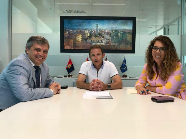 El Alcalde de Torre Pacheco recibe al Director Regional del Banco Sabadell - 1, Foto 1