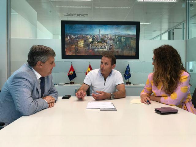 El Alcalde de Torre Pacheco recibe al Director Regional del Banco Sabadell - 2, Foto 2