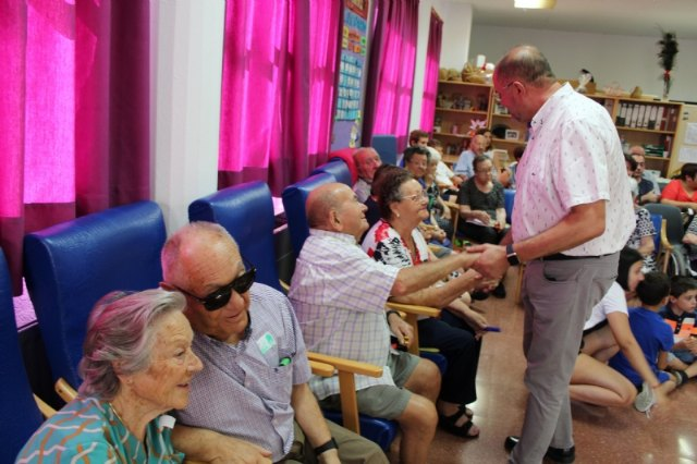 El Centro de Día para Personas Mayores Dependientes celebra el Día del Abuelo con actividades y la presencia de familiares de los usuarios