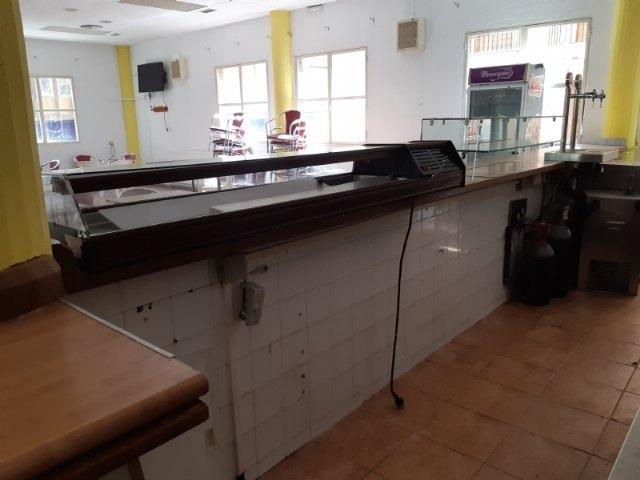 Se recepciona el contrato de explotaci�n de cafeter�a-bar del Centro Municipal de la Tercera Edad, situado en la plaza de la Balsa Vieja, Foto 1