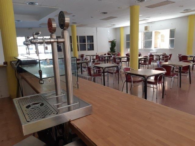 Se recepciona el contrato de explotaci�n de cafeter�a-bar del Centro Municipal de la Tercera Edad, situado en la plaza de la Balsa Vieja, Foto 2