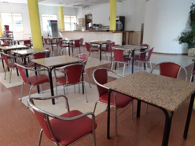 Se recepciona el contrato de explotaci�n de cafeter�a-bar del Centro Municipal de la Tercera Edad, situado en la plaza de la Balsa Vieja, Foto 3