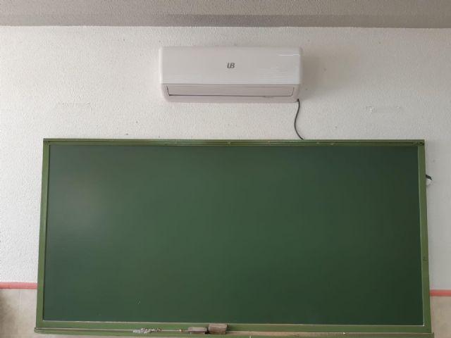 El Ayuntamiento invierte 4.000 euros en la adecuación, reparación y mantenimiento de las aulas del CEIP San Juan Bautista - 2, Foto 2