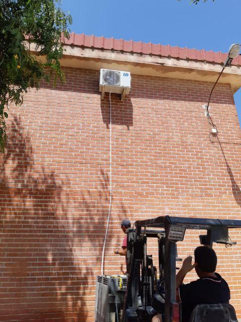 El Ayuntamiento invierte 4.000 euros en la adecuación, reparación y mantenimiento de las aulas del CEIP San Juan Bautista - 3, Foto 3