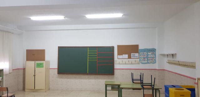 El Ayuntamiento invierte 4.000 euros en la adecuación, reparación y mantenimiento de las aulas del CEIP San Juan Bautista - 4, Foto 4