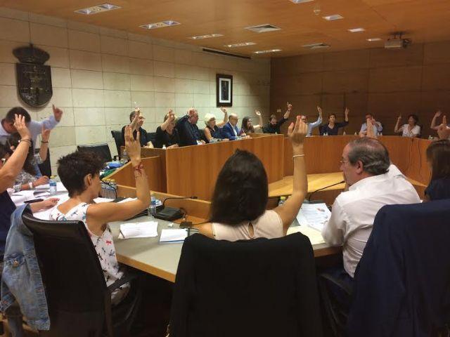 La Corporación municipal apoya las reivindicaciones realizadas por los regantes de Totana