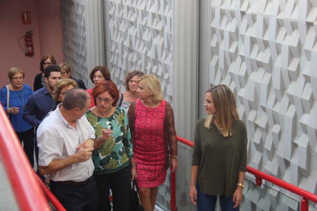 La consejera de Igualdad y la alcaldesa visitan tres centros de Aspajunide - 2, Foto 2