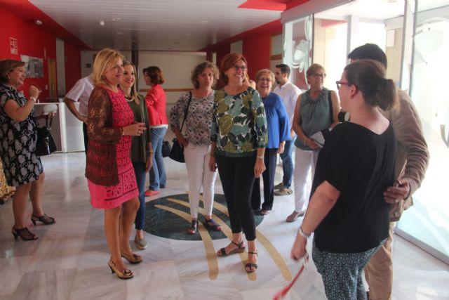 La consejera de Igualdad y la alcaldesa visitan tres centros de Aspajunide - 4, Foto 4