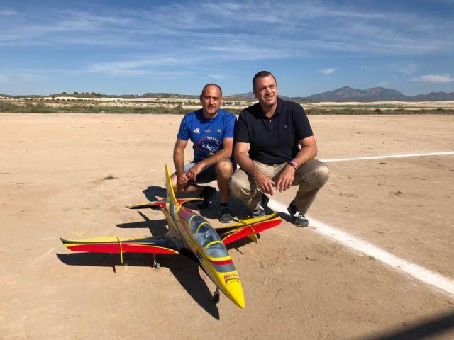 32 maquetas toman el cielo de Torrealvilla en una concurrida exhibición de vuelo de aeromodelismo - 2, Foto 2