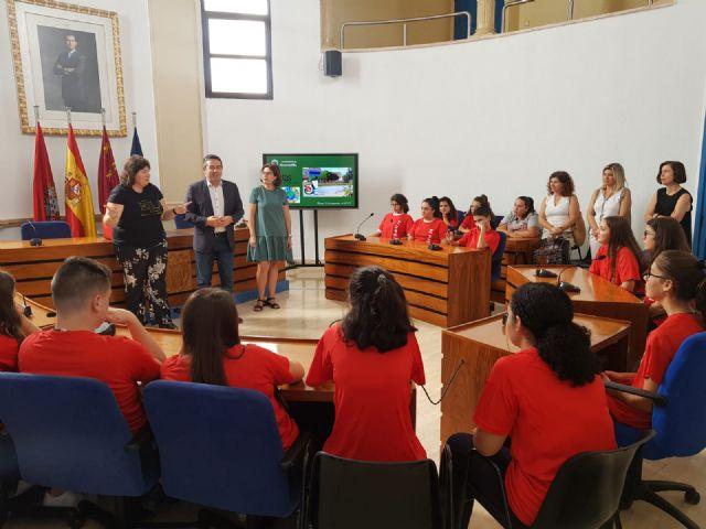 Estudiantes del IES Sanje son finalistas en un premio nacional de ciencia, y otros alumnos están becados por el Ministerio para una ruta científica, artística y literaria - 2, Foto 2