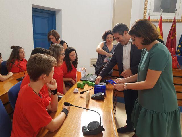 Estudiantes del IES Sanje son finalistas en un premio nacional de ciencia, y otros alumnos están becados por el Ministerio para una ruta científica, artística y literaria - 3, Foto 3
