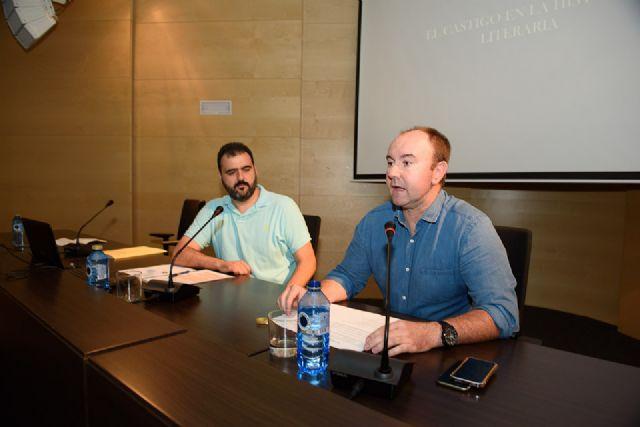 Juan Antonio Fernández presenta en el Centro Cultural su antología sobre Antonio Para Vico, Foto 2